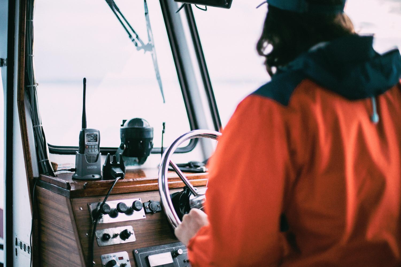 prendas náuticas, indumentaria náutica, navegar, navegación, barco, mar, verano, navegación estival,